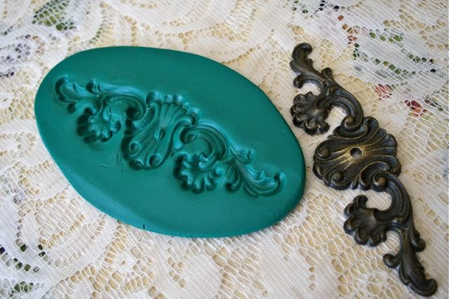 how tomake an oval with wooden appliques